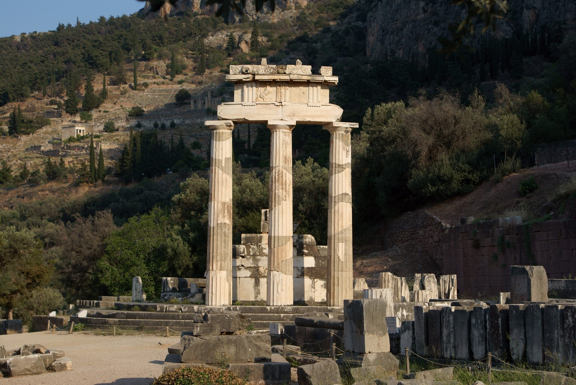 delphi private tour full day excursion from athens. Black Bedroom Furniture Sets. Home Design Ideas